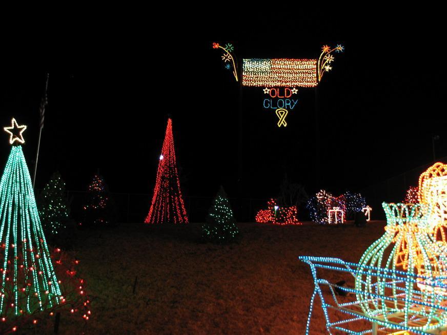 Marble Falls Christmas Lights.Marble Falls Walkway Of Light